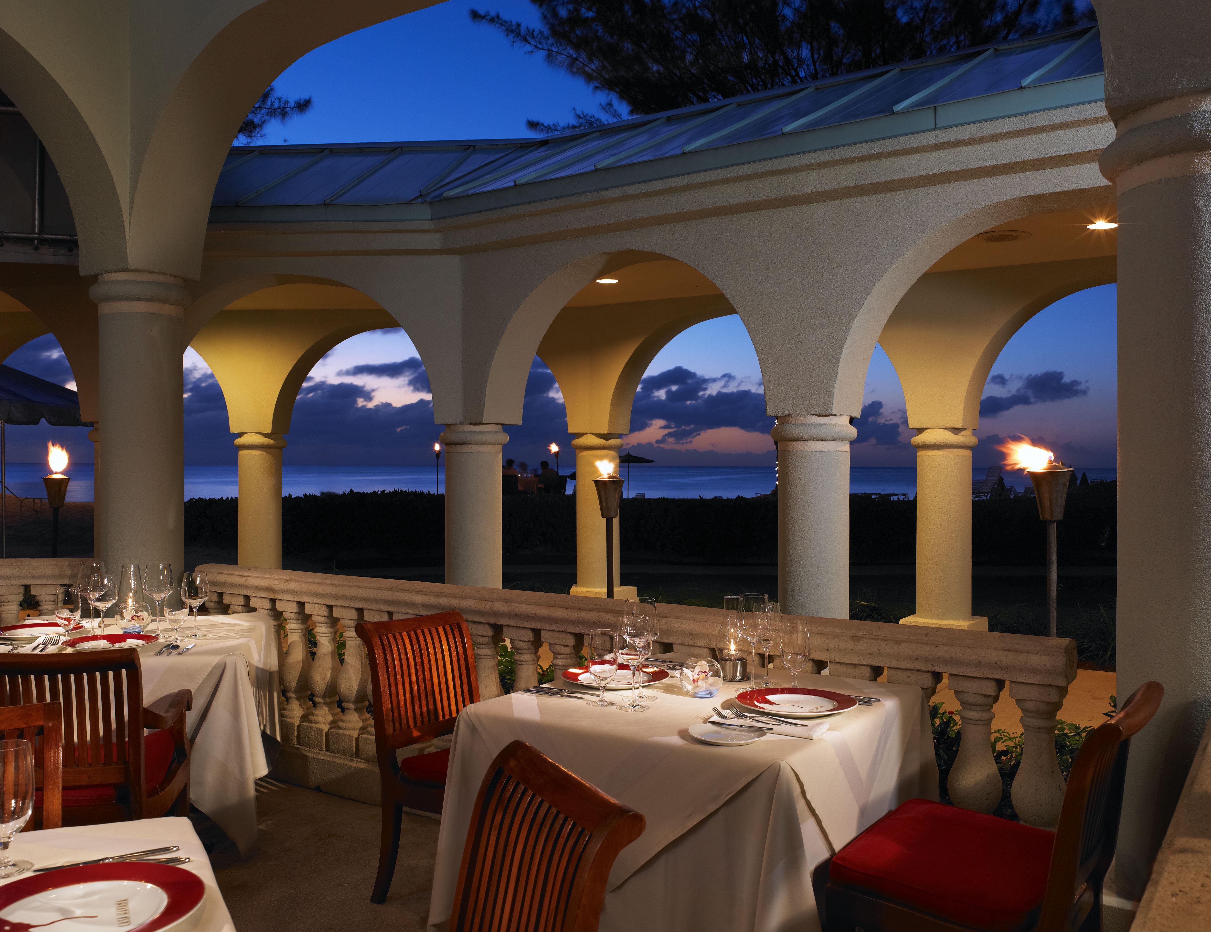 5 Best Restaurants In Grand Cayman