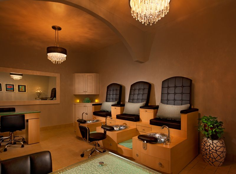 Wes1095sp-148462-Hibiscus Spa Nail Treatment Room