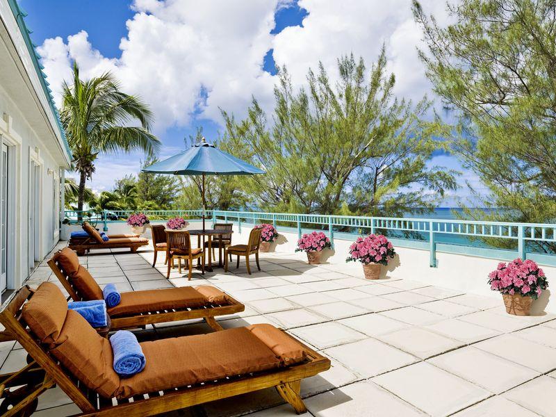 Westin Grand Cayman Sundeck